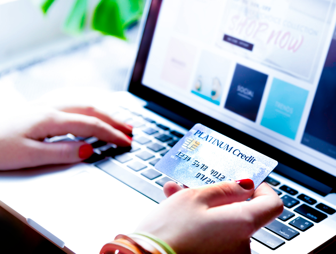 6 Tips for Safely Shopping Online for the Holidays - Featured Image